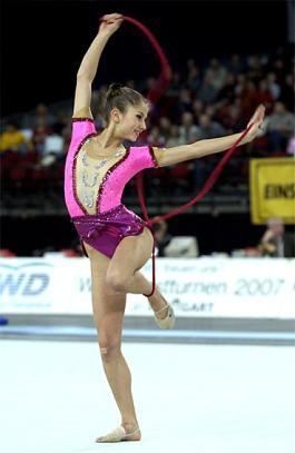 Les gymnastes de la gymnastique rythmique 630ae8623f5